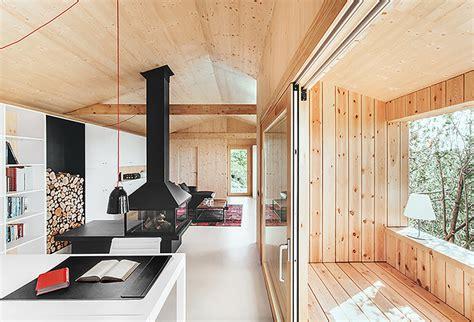 casa en arelauquen estudio ramos plataforma arquitectura casa estudio de madera dom arquitectura plataforma