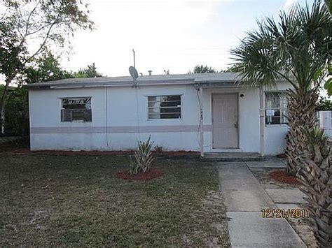 house for sale in riviera florida 1089 w 25th st riviera fl 33404 foreclosed home