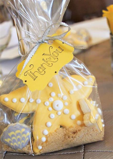 themed bridal shower favors how to organize a themed bridal shower
