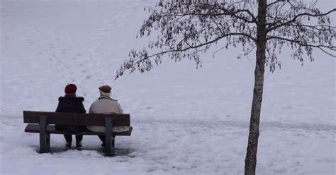 renaud m asseoir sur un banc – A m'asseoir sur un banc, cinq minutes avec toi  by