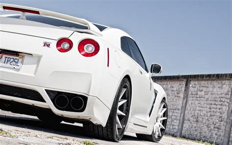 white nissan car white nissan gtr 2014 hd wallpaper car wallpapers