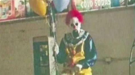 clown red fox picture 0099493616 2 men dressed as clowns and carrying weapons scare children police say breaking news time