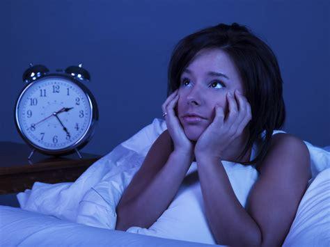 terbangun tengah malam jangan cek handphone  tak