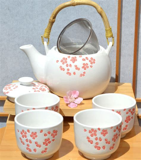Tea set red cherry blossom on white gloss x4 cups Japanese
