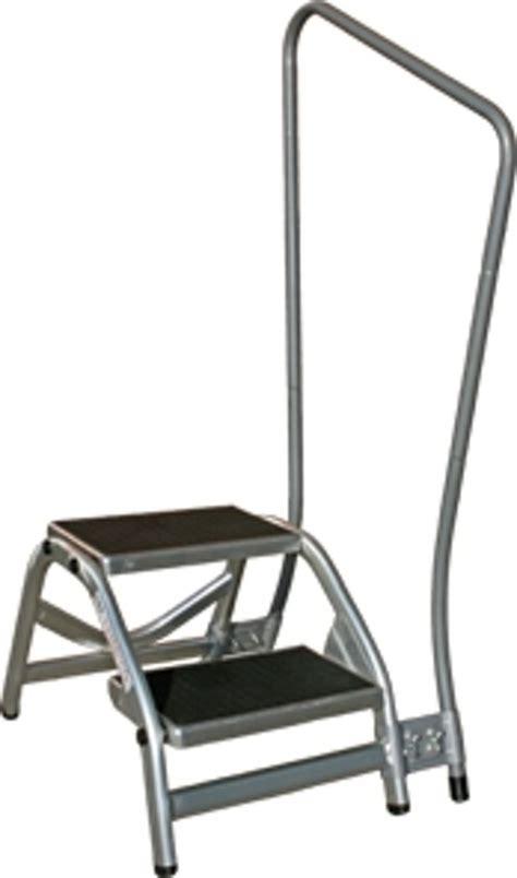 aluminium trap met leuning bol twee traps opstap met leuning aluminium