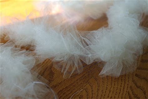 do it yourself divas: diy: burlap garland and tulle garland