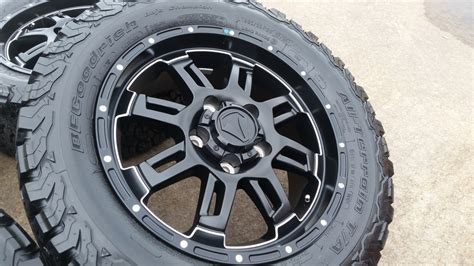 Toyota Tires 20 Quot Toyota Tundra Oem 2016 Tss Black Wheels And Tires