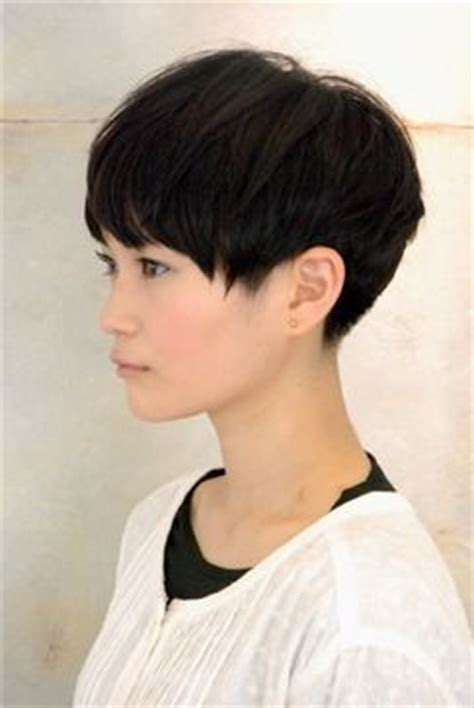 pin back a long pixie fringe pixie cut long top short back neckline hair cuts