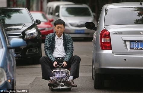who makes the mini car builds the world s smallest car to dodge