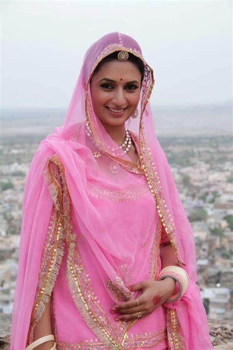 Dress Dr8357 divyanka tripati in pink saree veethi