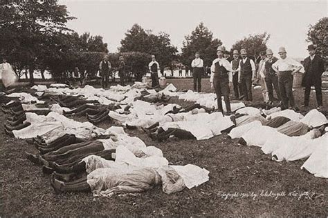 titanic boat deaths bodies from the the general slocum sinking disasters
