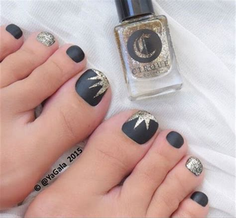 Toenail Trends | 10 winter toe nail art designs ideas trends stickers