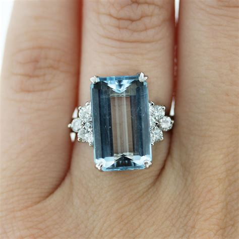 14k white gold 10ct emerald cut aquamarine ring