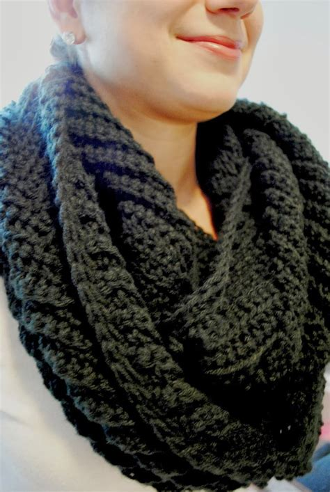 scarf pattern chunky yarn 300 best super chunky cowls images on pinterest free