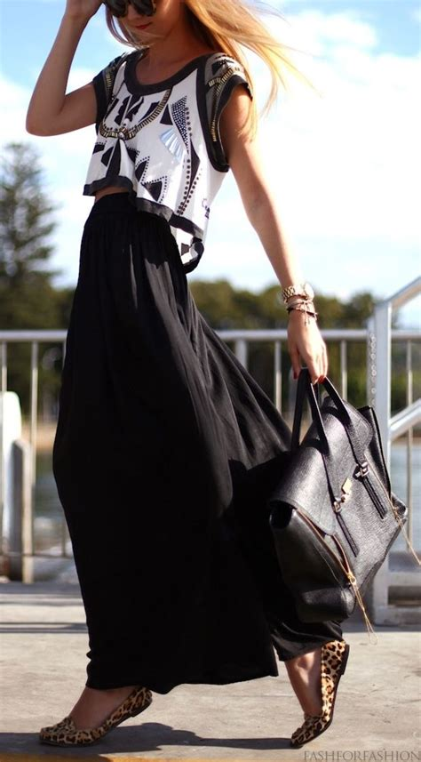 black crop top and maxi skirt fashion style