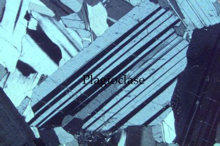albite in thin section index of geosciences petrology petrography plagioclase