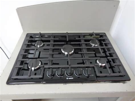 bosch 800 gas cooktop bosch 800 series ngm8065uc 30 quot gas cooktop with 5 sealed