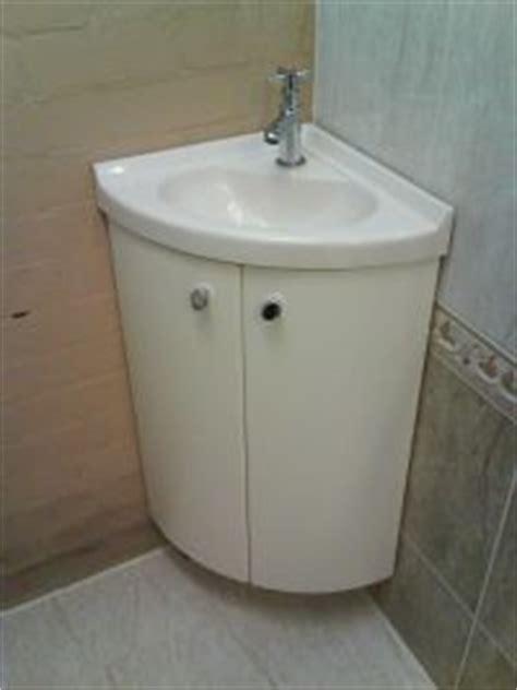 Toiletartikelen Praxis by Fonteinmeubel Freesmal Scharnieren Zelf Maken