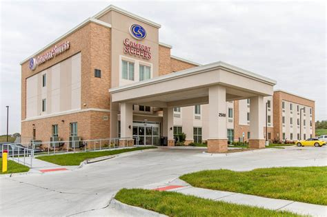 comfort suites west omaha in omaha hotel rates reviews
