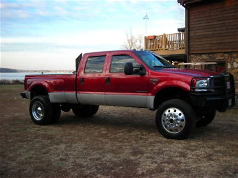 ford      lifted dually antique
