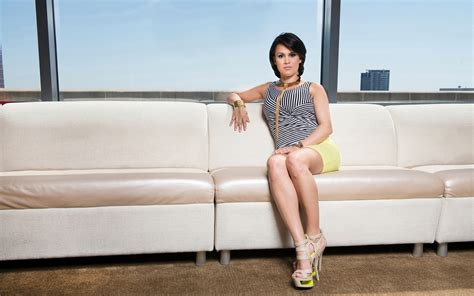 latina couch christina morrow is a shark out of water llero