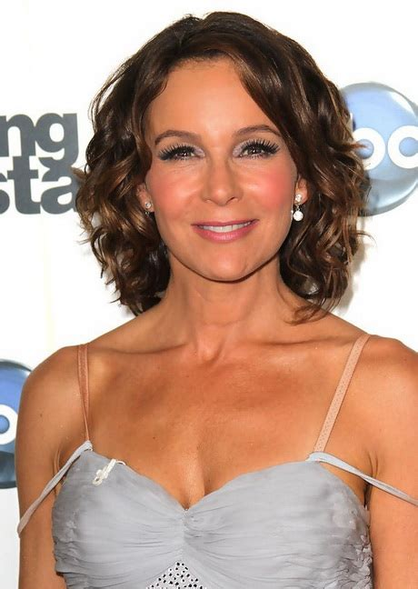 haircut for gray slightly wavy hair short wavy hairstyles women over 50