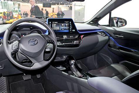Auto Bild Hr by Toyota C Hr 2016 Sitzprobe Bilder Autobild De