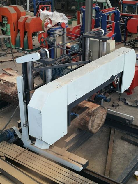 China Mj2000 Large Size Cnc Horizontal Wood Band Saw