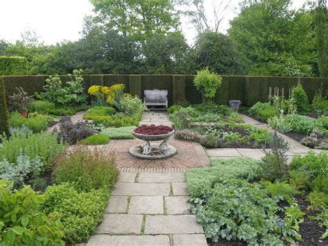 Herb Garden Layout Ideas Sissinghurst Gardens Sissinghurst Herb Garden Formal May05 Sissinghurst Lawn