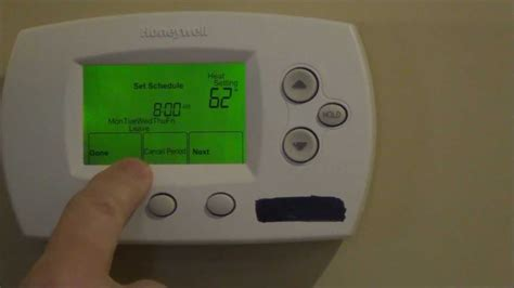 honeywell thermostat fan won t turn how to program your thermostat honeywell focuspro th6000