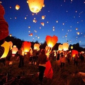 lanterne volanti bologna rischio incendi ravenna vieta le lanterne cinesi