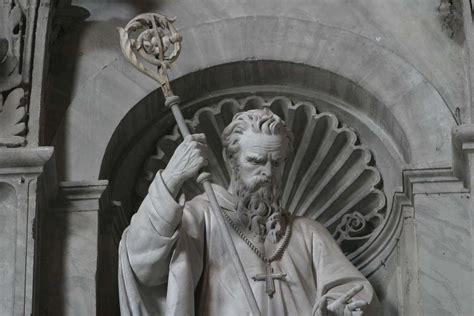 St Wiliam st william founder statue
