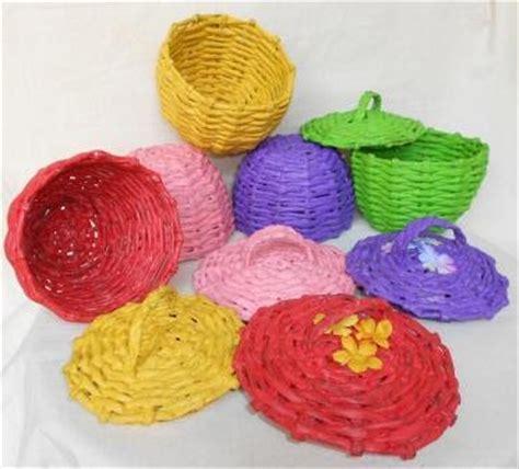 Bros Susun Warna Warni kerajinan tangan kerajinan tangan dari daur ulang kertas