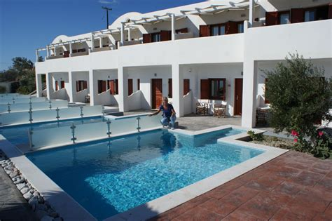 Bungalow Quot Zimmer Mit Eigenem Pool Quot Resort Splendour In Firostefani