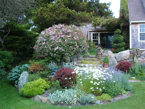 Garage Landscaping Ideas by Front Yard Landscaping To The Left Of The Garage G Y