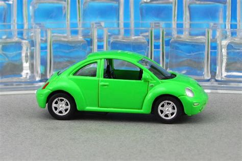 lime green volkswagen beetle 1999 volkswagen new beetle lime green v2 welly by