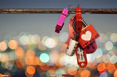 Jual Gembok Cinta gantungkan gembok cinta di kota bandung