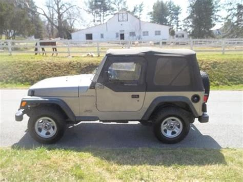 sell used 2000 jeep wrangler 4x4 5spd manual one owner no