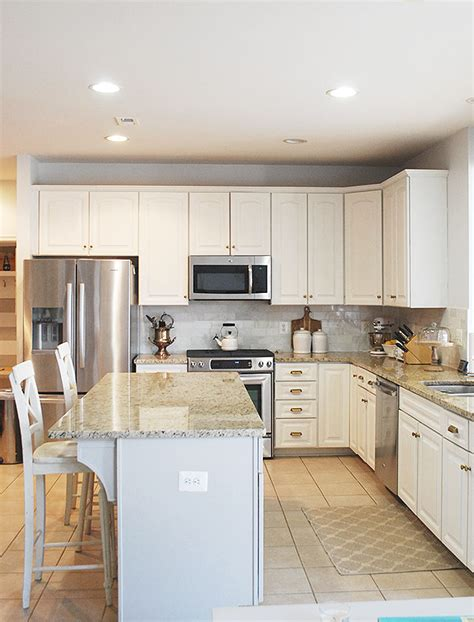 quick and easy way to paint kitchen cabinets how to paint cabinets the easy way learn the do s and don