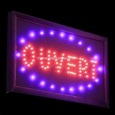 """Enseignes Lumineuses Leds """"OUVERT"""", Articles Lumineux, Publicité. Vente en ligne par lots."""