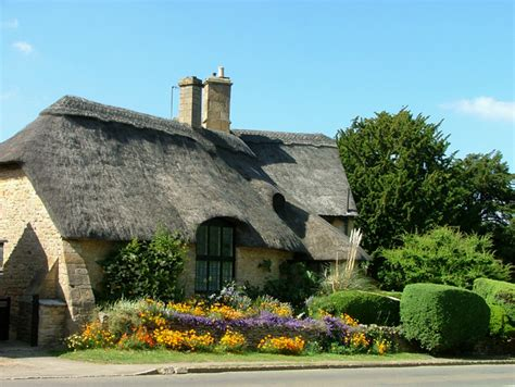 Cottages In The Uk by File Thatched Cottage Geograph Org Uk 94700 Jpg