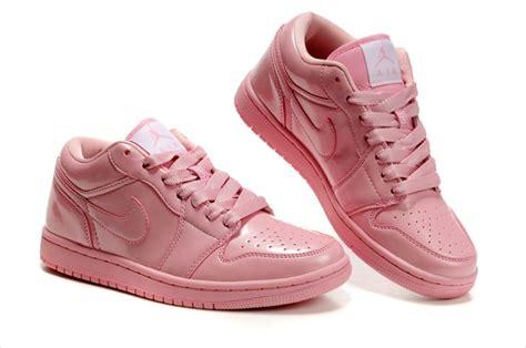 imagenes jordan para mujeres pin de alma rubi amador morales en tenis jordan rosas 2011