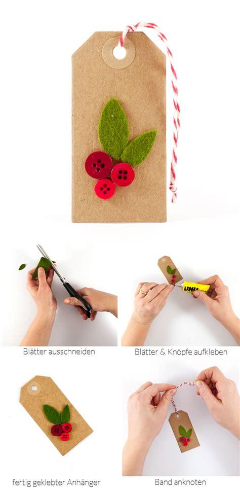 knopf häkeln weihnachtliche diy geschenkanh 228 nger mit kleinen kn 246 pfen