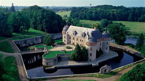 house with moat best properties homes for the international jet set the
