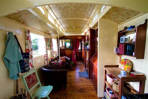 wohnwagen einrichtungsideen romany caravan showmans waggon