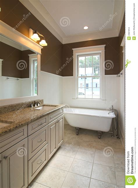 Small Bathroom Tile Floor Ideas by Bathroom With Clawfoot Tub Stock Images Image 2367914