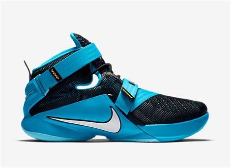 nike lightweight basketball shoes nike basketball shoes lightest