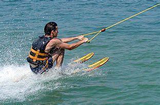 speedboot fahren rostock wasserski am boot jollydays geschenke