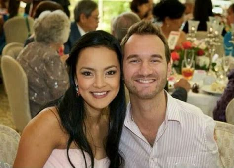 biography of nick vujicic wife nick vujicic and wife kanae beyond inspirational story