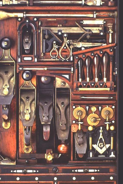 detail   studley tool chest  woodworkers holy